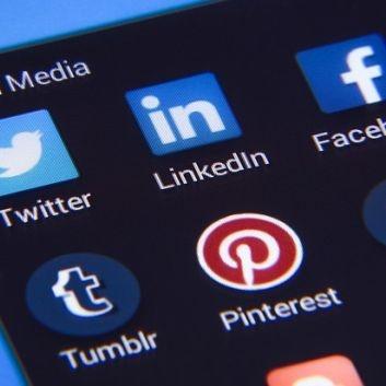 10-Laws-of-Social-Media-Marketing.jpg
